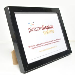 "Contemporary Cube Wooden Photo Frame: Black Gloss, 6"" x 4"" (15cm by 10cm)"
